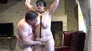 Suzi helped to orgasm by her client