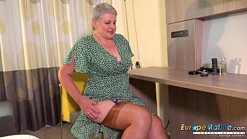 EuropeMaturE British Mature Solo Masturbation