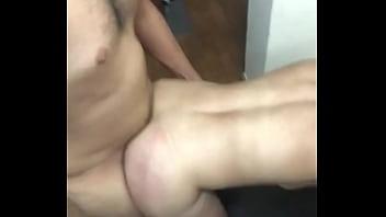 Traje a mi amiga del gym a la ofi Video 3