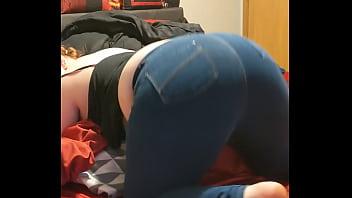Sophia Sinclair snap booty tease