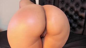 Mesmerizing Huge Thicc Latina Ass Jiggling 26 min