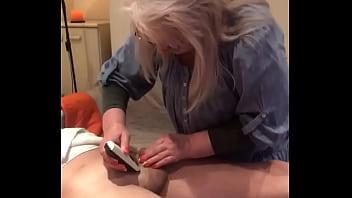 Hairdresser mature lady shaving yonger reality