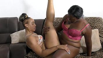 Thick Juicy Ebony Beauties Scissoring till orgasm