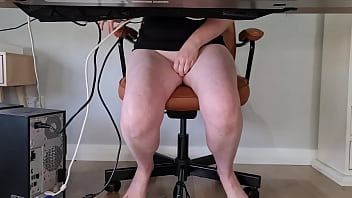 Slutty mom squirts multiple times during zoom meeting