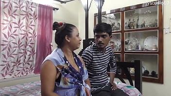 Desi sexy aunty ko shat mera first sex.... viral with clear audio