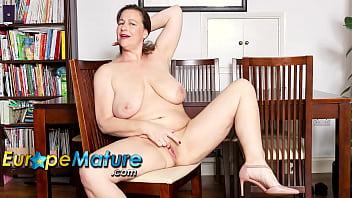 EUROPEMATURE Busty British Mature Eve Jayne Solo Masturbation