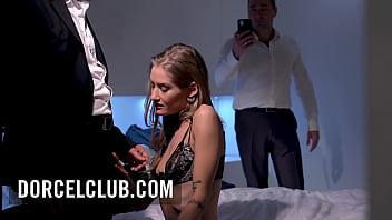 Tiffany Tatum likes to share her pleasure with 2 men