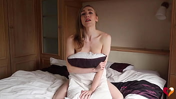 Humping my Pillow til I Spurt, Naked and Natural 18 min