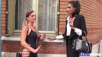 Tiffany Leiddi accompagne Mélissa pour un gangbang très hard