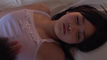 再婚相手の連れ子が無防備な女子○生で同居初日に理性崩壊!酷すぎる生中出し 16 min