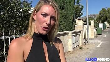 Emma Klein donne tous ses trous pour une baise hard 15 min