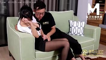 【国产】麻豆传媒作品/MDX0064-女秘书向老板慢慢张开了双腿 001/免费观看