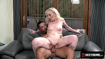21 SEXTREME - Macho Stud Clenches Curvy GILF's Thirst With A Gushing Cumshot