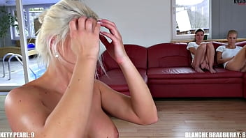 Competitive Huge Boobs Sexmatch - Redhead fuck hard Blondie with Strapon
