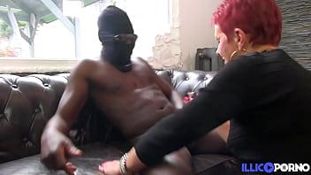 Christine, femme mariée, veut essayer une bite de black