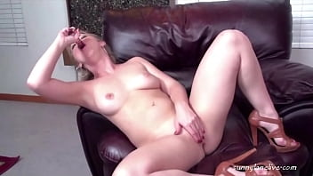 Stripping Hottie Sunny Lane Sucks Her Glass Dildo And Fucks It Deep!