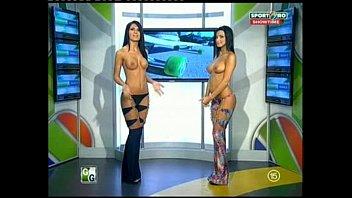 Goluri si Goale ep 12 Miki si Roxana (Romania naked news) 21 min