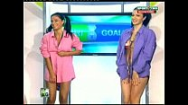 Goluri si Goale ep 13 Gina si Roxy (Romania naked news) 21 min