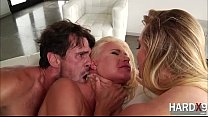 Bootylicious babes Anikka Albrite and AJ Applegate in hardcore threesome sex