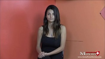 Porno Casting Interview mit Lilly 18 in Zürich - SPM Lilly18IV01