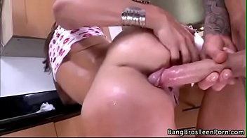 Big Butt White Girl Does Anal 1 5 min