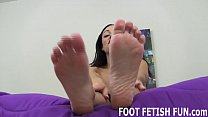I love it when guys jerk off to my feet