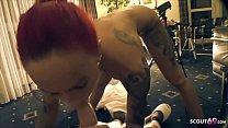 Fickmaschine und User ficken Deutsche rothaarige Amateurin bei Session im Hotel um den Verstand