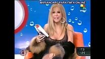Video de Graciela Alfano mostrando la concha tras las pantis en intrusos famosa