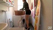 Delicious Horny Housewife Sucking Her Repairman   XVIDEOSCOM