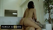 Hot Babe (Kendra Spade) Fucking (Johnny Goodluck) Big Dick - Family Sinners
