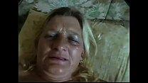 O genro gozou dentro da bucetada sogra e filmou para enviar para esposa