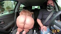 Wanessa Boyer aparece na carona de Ted #35 com sua bunda gigante