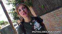 Claudia la hermosa rubia pillada en la calle