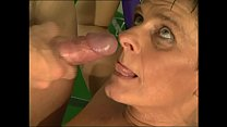 Sexy mature woman gets fucked by trainer in a gym