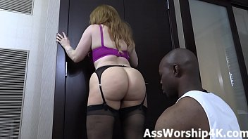 Worshiping Mistress Summer Hart's ass