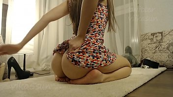 sweet babe girl ass teases and twerking for you