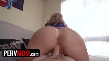 My super curvy stepmom sucked and fucked my big dick