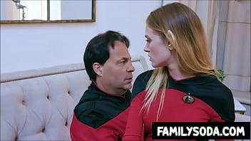 Comic Con escalates into family fucking