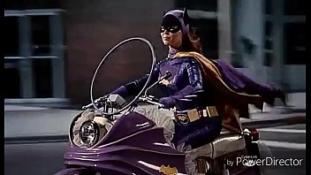Batgirl Begins